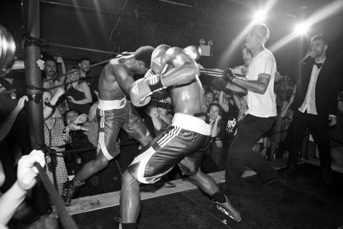 Бойцовский клуб мужчин-моделей (13 фото)