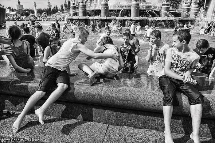 Водная битва на ВДНХ (70 фото)