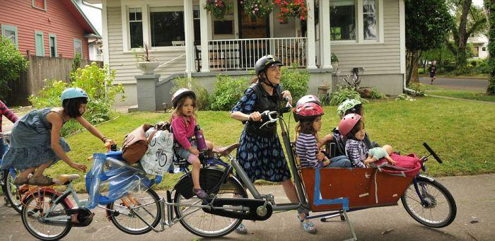 Как отвезти детей в школу (8 фото)