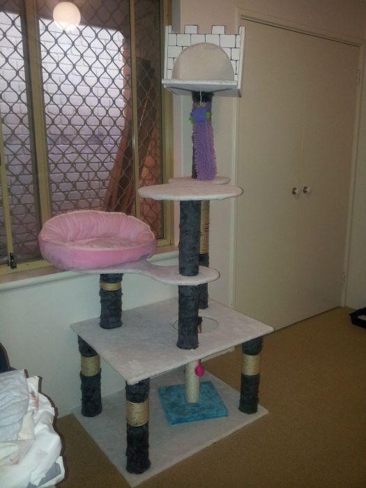 Кошачий домик своими руками (12 фото)