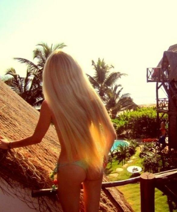 devushki-szadi-blondinki-foto