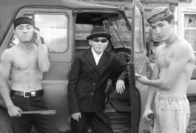 приветливый персонал казахстан смешные фото желтый