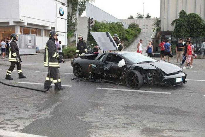 Несколько серьезных неудач с суперкарами (50 фото)