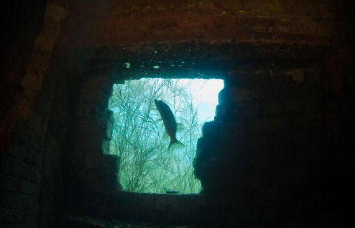 Затопленная тюрьма (54 фото)