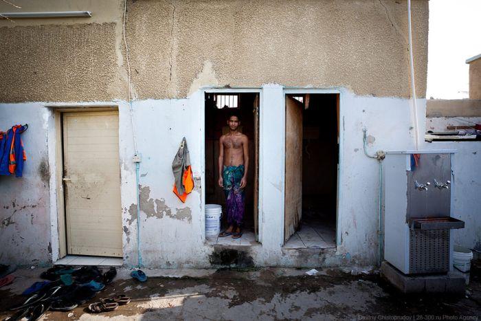 Другая сторона жизни в ОАЭ (33 фото)