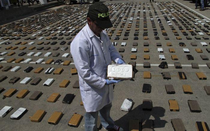 Партия кокаина стоимостью 3 млн долларов (4 фото)
