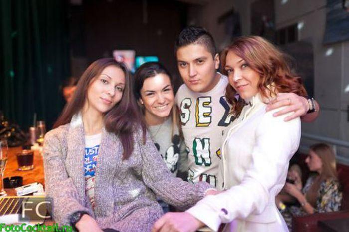 Девушки из столичных клубов (31 фото)