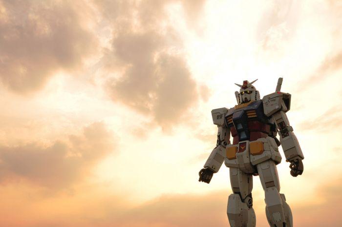 18-метровая статуя робота Gundam (15 фото)