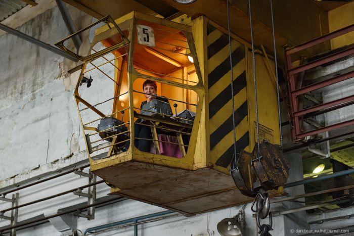 Экскурсия по бронетанковому заводу (34 фото)