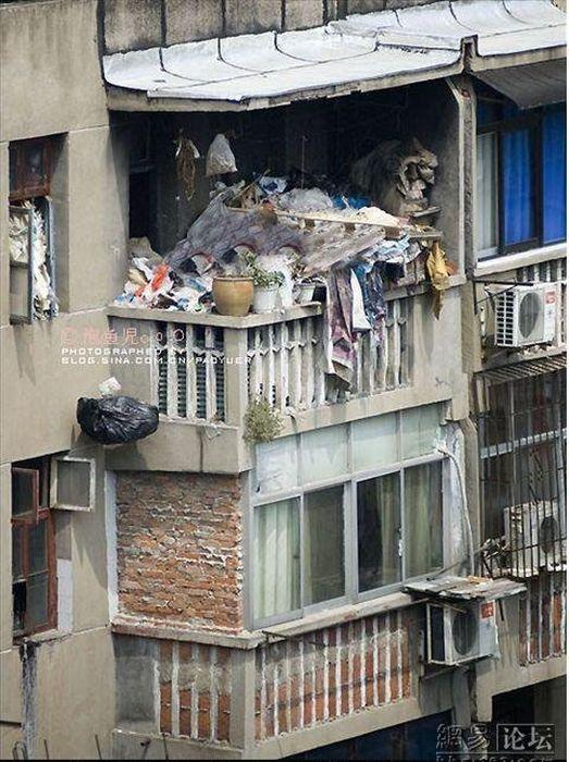 """Мусор на балконе """" дуделка - интересные новости и фото."""