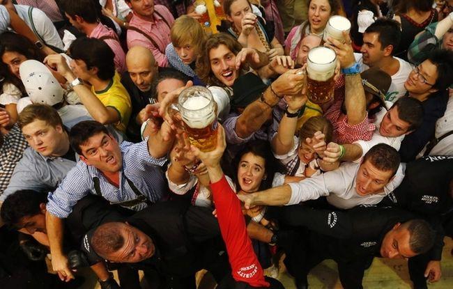 Фотоотчет с праздника пива - Oктоберфест 2012 (25 фото)