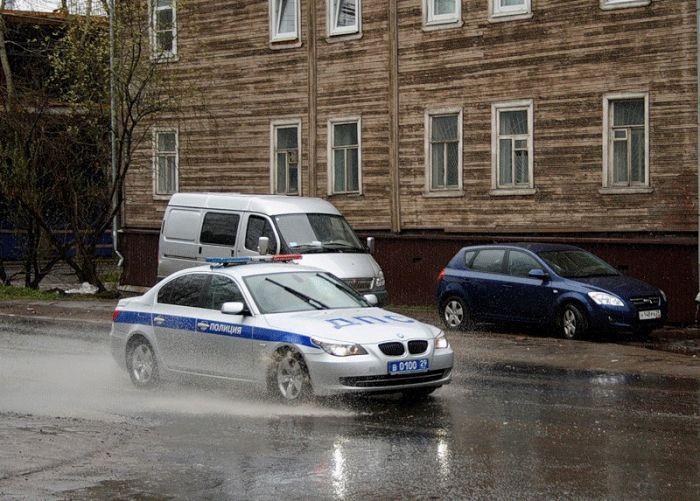 Автомобили российской полиции (19 фото)