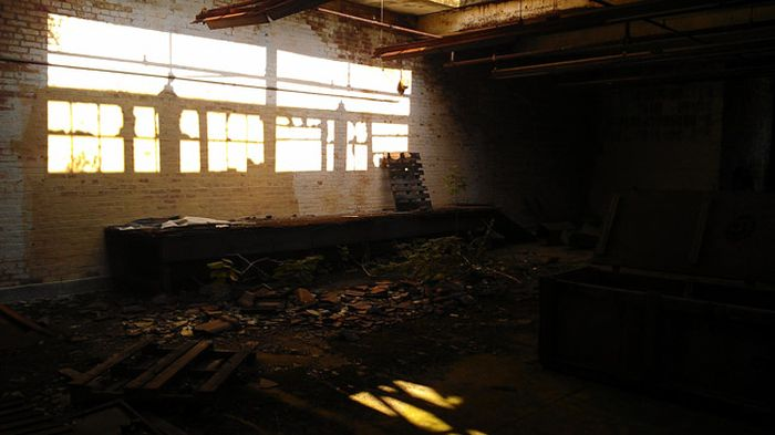 Заброшенная больница в США (134 фото)