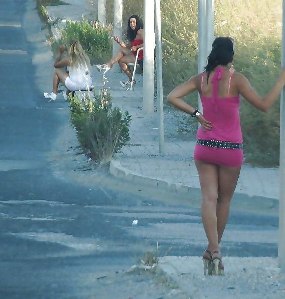 Итальянские девушки легкого поведения (29 фото)