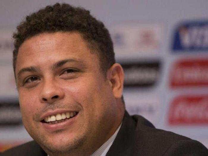 Бывший футболист Роналдо ужасно растолстел (12 фото)