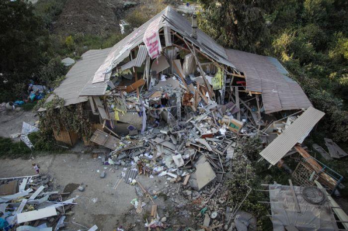 Людей оставили без крыши над головой из-за олимпийской стройки (13 фото)