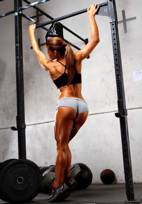 Стройные девушки, которые занимаются спортом (47 фото)