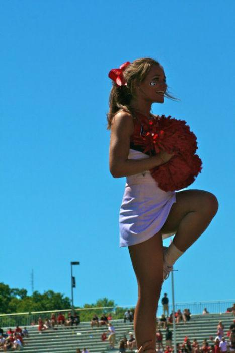 Спортивные девчонки из группы поддержки (55 фото)