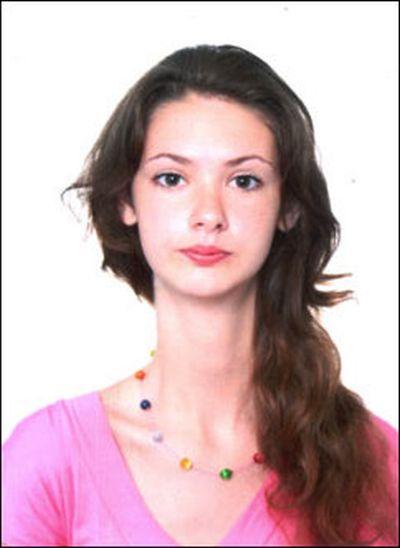 Девушка с необычной шеей (6 фото)