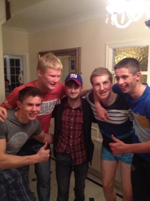 Гарри Поттер напился вместе с ирландской футбольной командой (5 фото)
