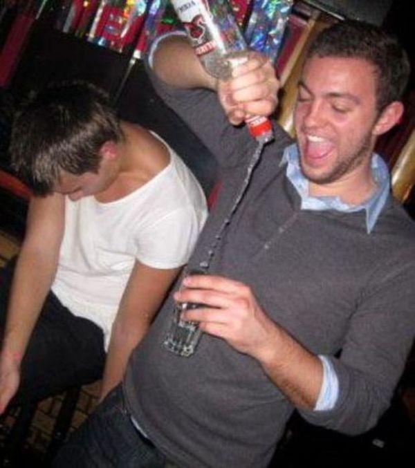 Люди, которые не умеют пить (49 фото)