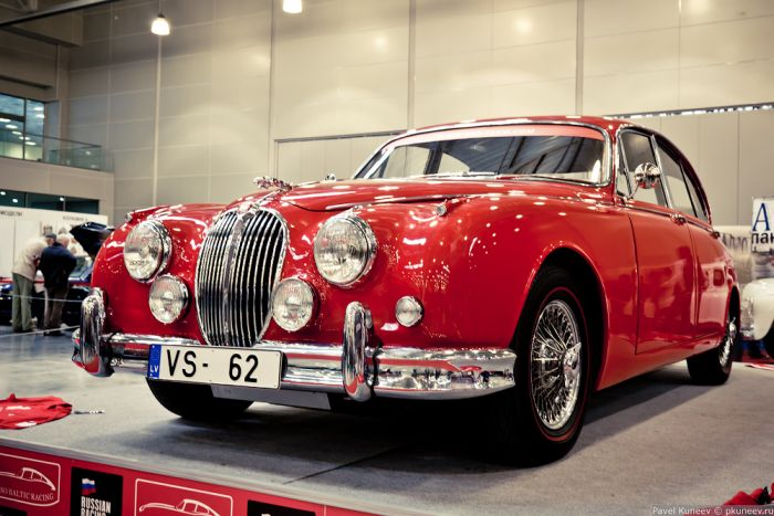 Галерея классических ретро-автомобилей Ильи Сорокина (62 фото)