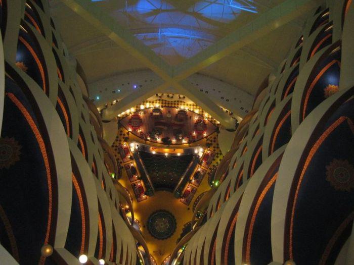 Сногсшибательные атриумы отелей (34 фото)