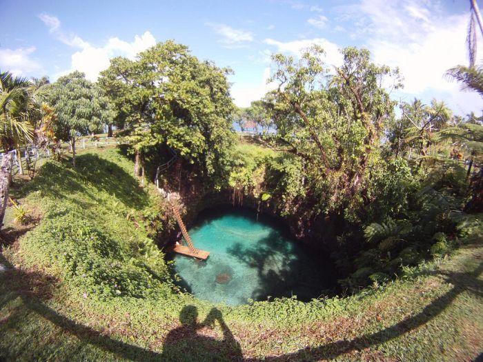 Невероятно красивый водоем (8 фото)