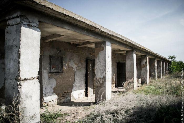Александровские казармы больше никому не нужны (48 фото)