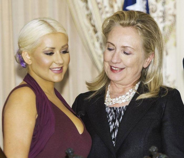 Хилари Клинтон оценила грудь Кристины Агилера (5 фото)