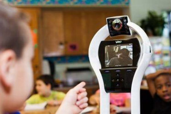Креативное решение проблемы с обучением для больного мальчика (6 фото)