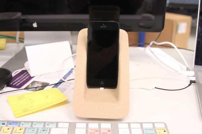 Креативная док-станция для телефона iPhone (7 фото)