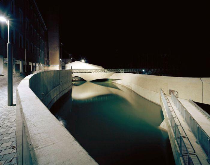 Необычные сооружения в воде (31 фото)