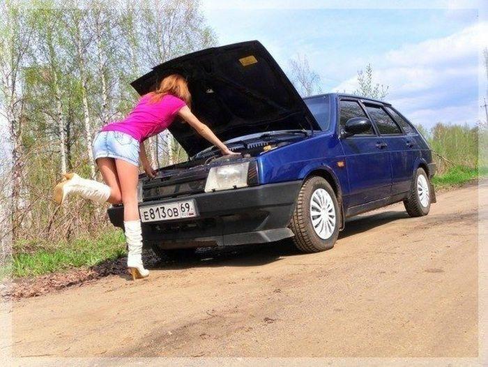 Сделано в России: девушки и тюнингованные автомобили (58 фото)