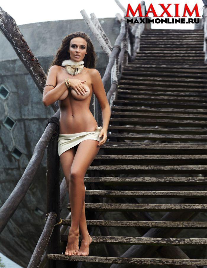 Эротическая фотосессия Алены Водонаевой в журнале Maxim (6 фото)