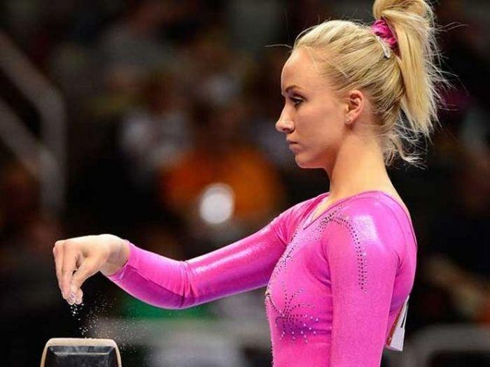 Подборка самых красивых девушек из спорта (32 фото)