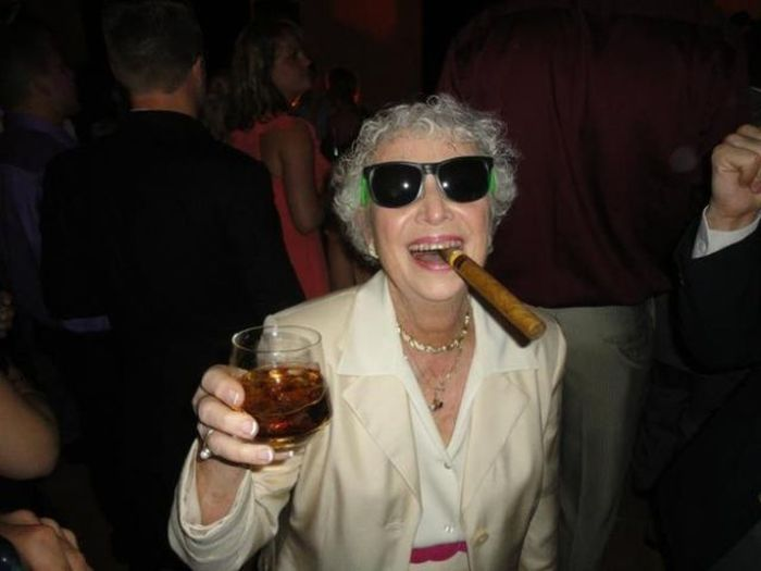 Пожилые люди, которые живут полной жизнью! (24 фото)