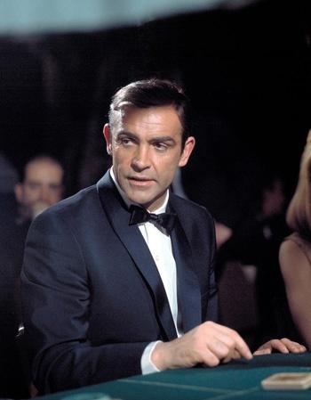 Анонсы и обзоры. 0 лет Джеймс Бонду: как менялись актеры, саундтреки и бюджеты.. Джеймс Бонд, Скайфолл, 007, фильм