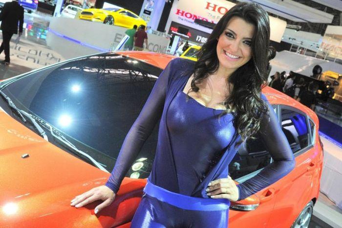 Девушки с автовыставки в Сан-Паулу (45 фото)