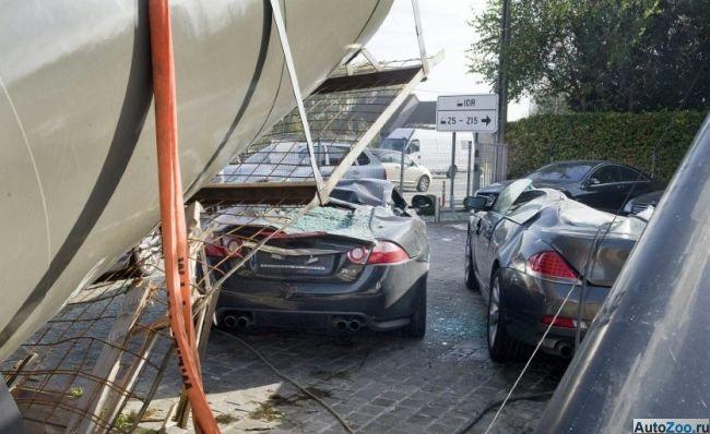 Как одним махом уничтожить сразу несколько спорткаров (5 фото)