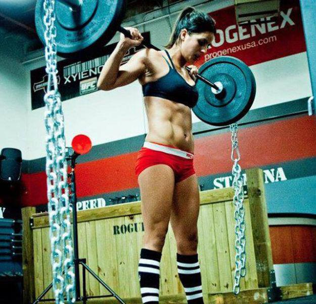 Девушки, которые регулярно занимаются спортом (32 фото)