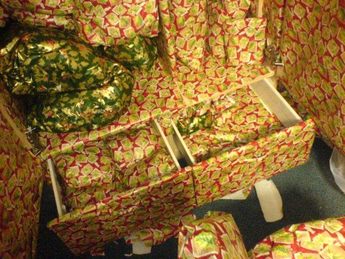 Розыгрыш с упаковкой для подарков (13 фото)