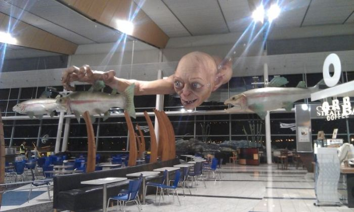 """Огромная статуя Голлума из """"Властелина Колец"""" (7 фото)"""