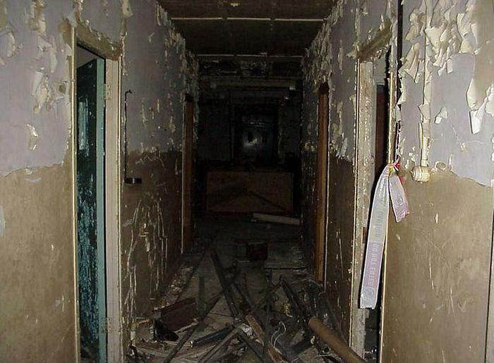 Заброшенная больница в Великобритании (48 фото)