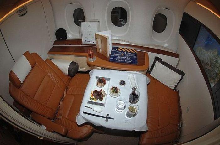 Шикарные апартаменты внутри самолета А380 (8 фото)
