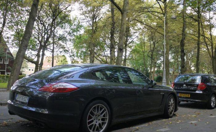 Необынчая волна преступности в Амстердаме (8 фото)