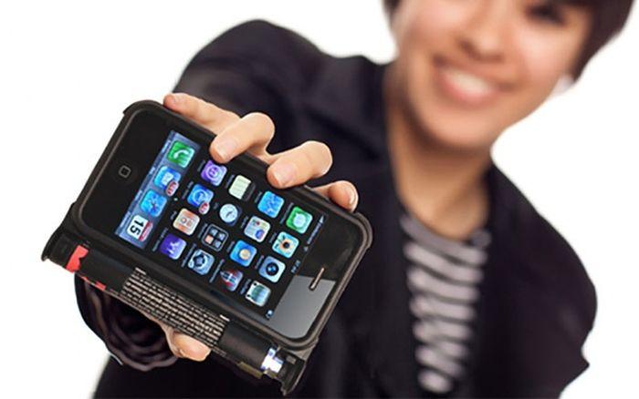 Мобильный телефон теперь сможет помочь при самообороне (12 фото)