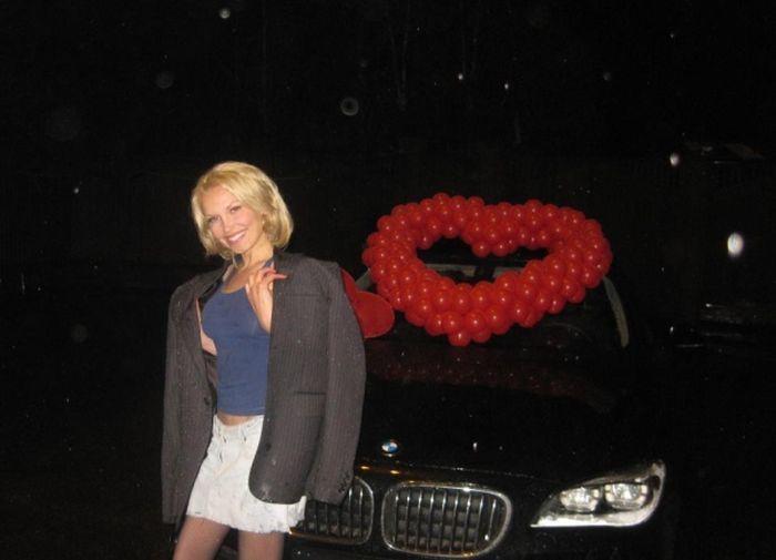 """Два спортивных авто, заработанные """"честным трудом"""" сгорели дотла (5 фото)"""