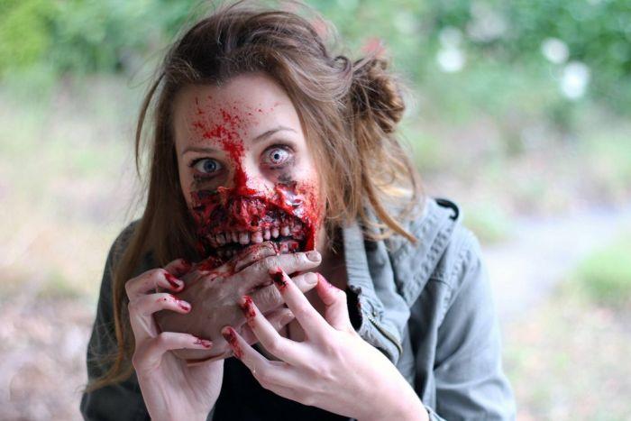 Жуткое перевоплощение в зомби (11 фото)