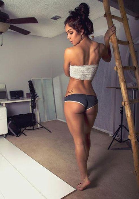 Подтянутые женские попки (48 фото)